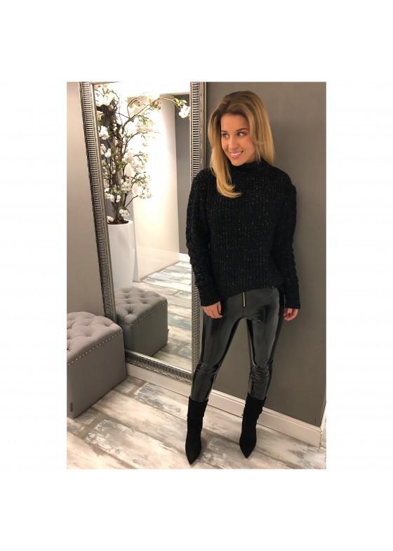 Sweater Black Xo